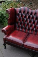Диван Chesterfield в червен цвят